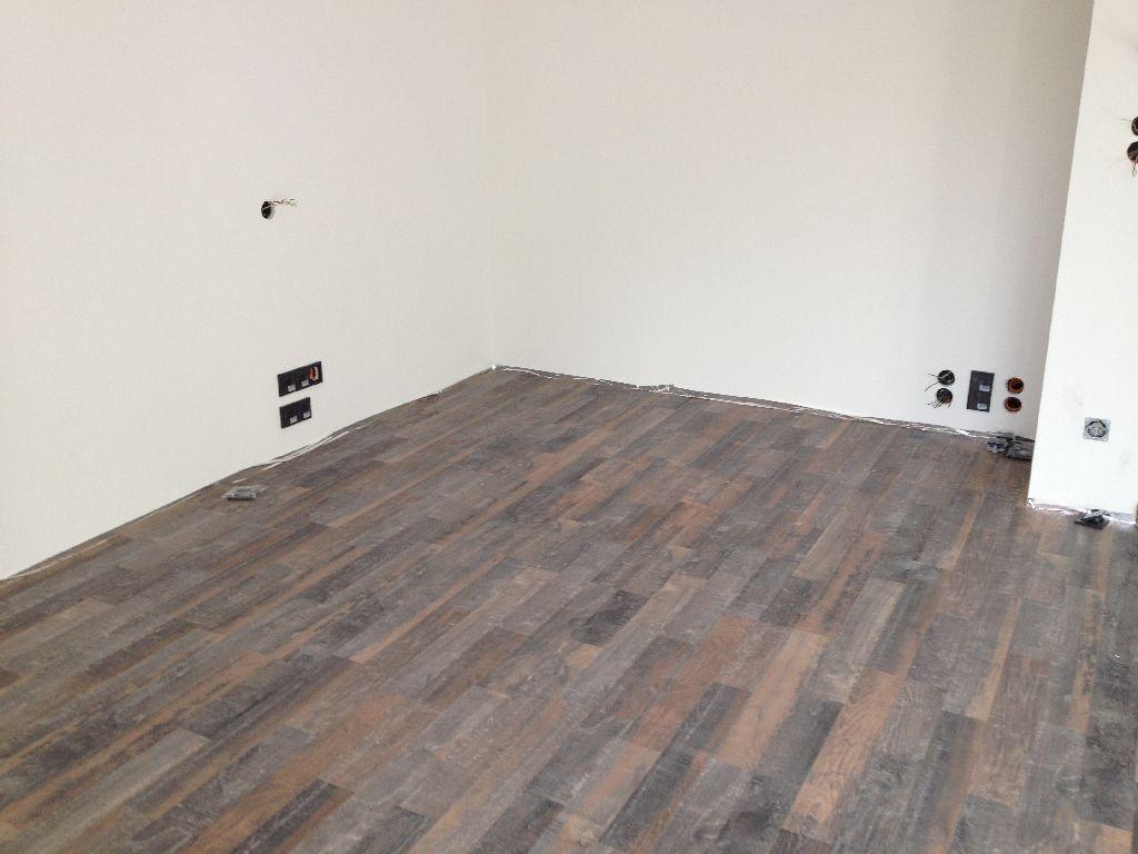 wer verlegt laminat immobilien laminatboden zwei tage lang im raum laminatboden zwei tage lang. Black Bedroom Furniture Sets. Home Design Ideas