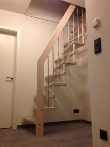Treppe ins Dachgeschoss monitert