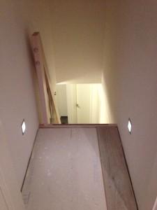 Treppe ins Dachgeschoss mit Beleuchtung