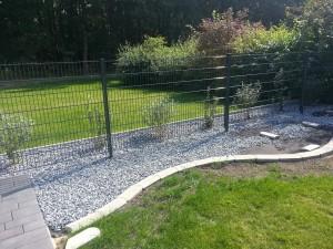 Steinbeet Zaun vorne 1