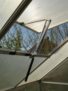 Automatischer Fensteröffner Gewächshaus