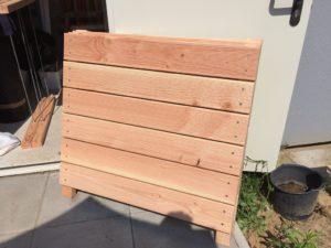 Hochbeet selber bauen - Seitenteil fertig