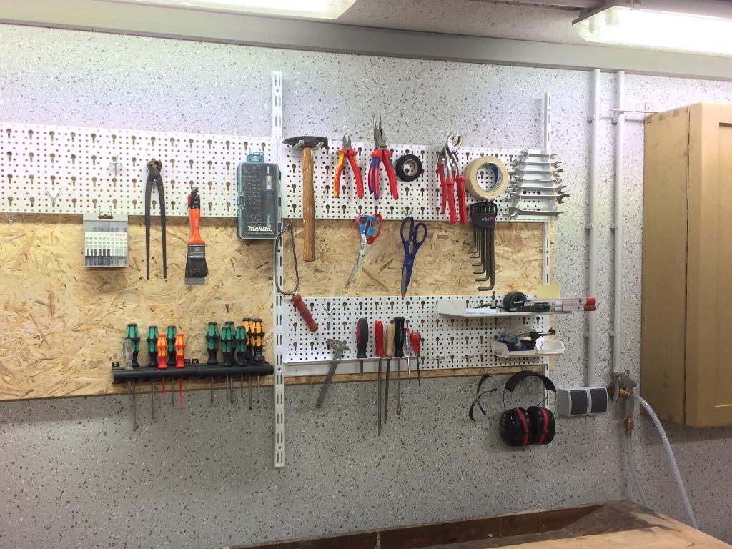 Werkzeugwand nikolaus lueneburg de - Werkzeugwand selber bauen ...